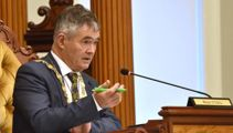 'Are you deaf or just stupid?': Dunedin mayor sparks shock