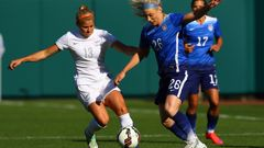 Rosie White Football Ferns vs USA (Photo \ Getty Images)