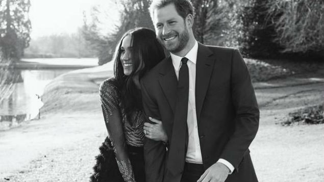 Prince Harry and Meghan Markle publish engagement photos recommendations