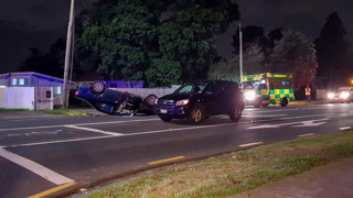 One person dies after two-vehicle Mangere crash