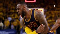 LeBron James signs deal to play with LA Lakers
