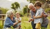 Grandparents with their grandkids (Photo \ Getty Images)