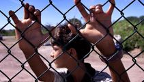 22 refugees flown from Nauru to US for resettlement