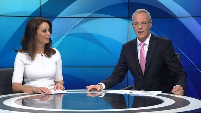 TVNZ 1 News anchors Simon Dallow and Miriamo Kamo explained a technical problem was to blame for the brief outage.