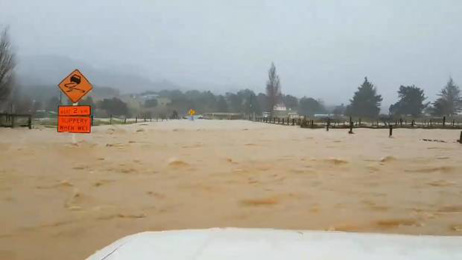 Flooding and slips cut off Coromandel as wild weather hits the country's north