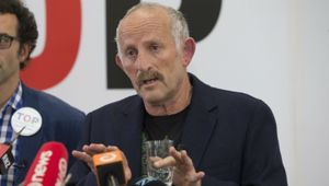 Gareth Morgan's TOP is just the latest small party to crumble under the weight of the biggest two parties. (Photo / NZ Herald)