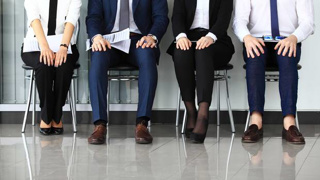 Expert reveals the top outfit mistakes jobseekers make