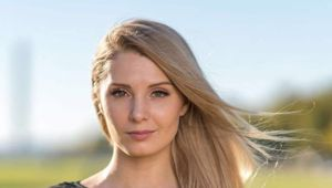 Lauren Southern and Stefan Molyneux speaking about South Africa. Youtube / Stefan Molyneux