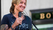 Woman helps man short on cash, finds out he's Keith Urban