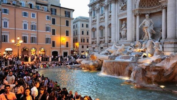 Rome: 8 tourists fight over selfie spot in Italy's iconic Trevi fountain