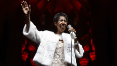 How Aretha Franklin overcame a broken home to become one of the greatest singers ever