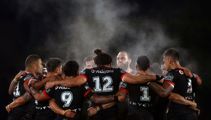 Warriors secure narrow win for Mannering's 300th