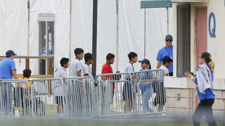 US loses track of nearly 1,500 migrant children - again