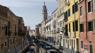 Megan Singleton: Travelling around Venice