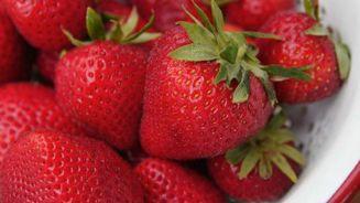 Needles found in strawberries at Auckland supermarket