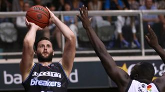 Former Breakers player Alex Pledger to return to the court after cancer treatment