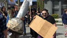 Otago university students take to the streets over bong-burglary saga