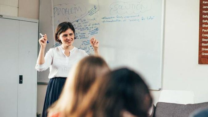 Green Party spokeswoman Chloe Swarbrick talks mental health with students at AUT. Photo / Supplied