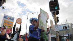 Public attitudes towards teachers' strike split