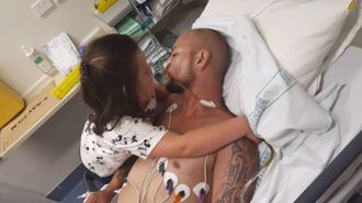Critically ill man Jarred Thompson reunites with his daughter in hospital
