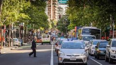 Queen St could be freed up for pedestrians, light rail, bikes, buses and essential service vehicles. (Photo / Greg Bowker)