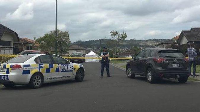 A police cordon at the scene in Flat Bush. (Photo / NZ Herald)