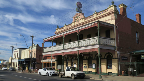 Mike Yardley: Road-tripping the Murray Valley