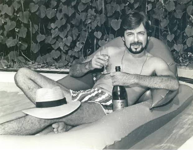 Leighton Smith relaxing in a bath as appeared in the Townsville Bulletin picture. Photo / Supplied.