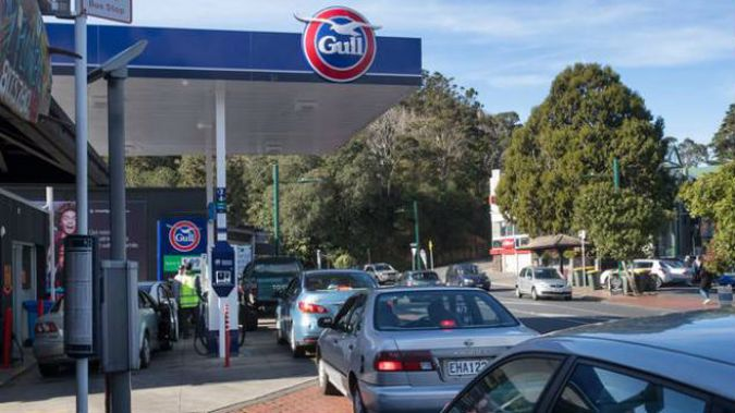 Gull Whitikahu, northeast of Hamilton, has dropped its fuel to $1.76 a litre until midday tomorrow. Photo / Gull Whitikahu, Facebook
