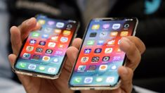 Apple sets stock market reeling with iPhone admission
