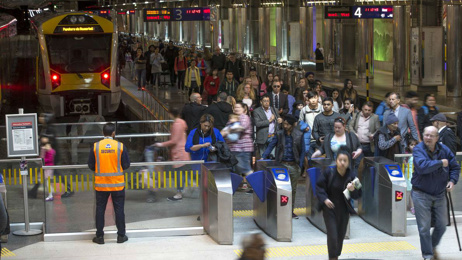 Aucklanders face price hike of seven per cent for public transport