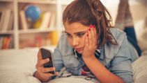 Kate Hawkesby: Time to put the cellphone down