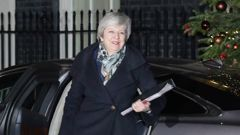 Theresa May tears up Brexit plan, strikes last-minute deal