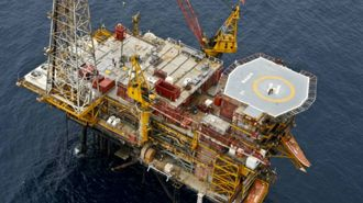 Government oil and gas ban could cost economy $30b, report says