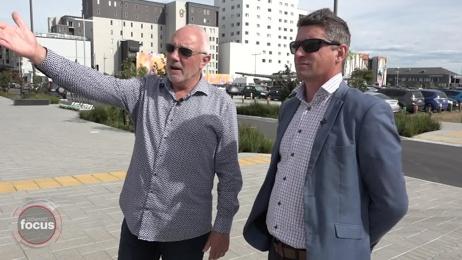 Sir Bob Parker gives a walking tour of the Christchurch rebuild