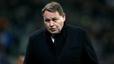 All Blacks coach Steve Hansen speaks to Martin Devlin