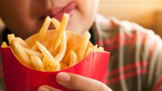 Murray Olds: Australian fast food chains criticised over amount of salt