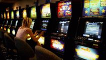 Minister: Online gambling to be controlled, not banned