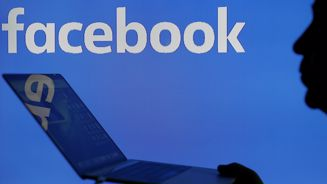 Government funds considering dumping Facebook shares