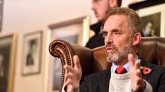 Whitcoulls pulls Jordan Peterson's '12 Rules for Life'