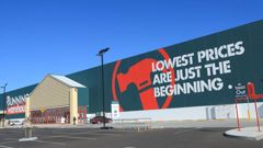 People are upset at a 'pathetic' Bunnings rule about dogs. (Photo / 123RF)