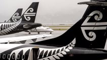 Air NZ delays $750m of new planes after sharp profit fall