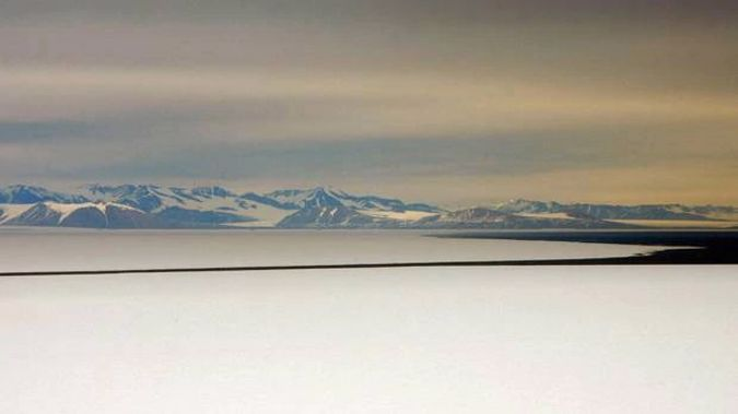 At about 500,000 sq km, Antarctica's Ross Ice Shelf is equivalent to the area of France. (Photo / File)