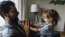 Relationship expert on pros and cons of stay-at-home dads