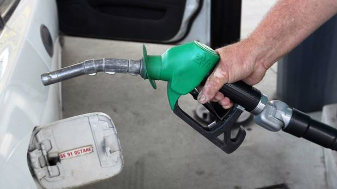 Fuel prices continue to be high in Wellington. (Photo / Duncan Brown)