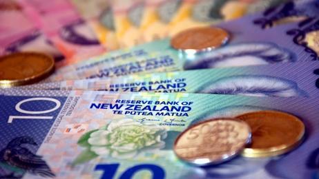 Ingrid Cronin-Knight: Expert calls for gradual transition to cash-free society
