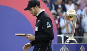Martin Guptill accepting his medal after the final. (Photo / AP)