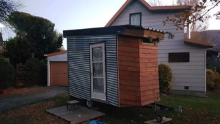 Owner defends tiny house advertised for $290 per week