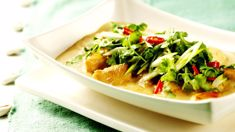 Nici Wickes: Thai chicken & coconut curry