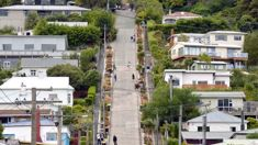 Toby Stoff: Battle for Dunedin to regain steepest street title heads to Wales